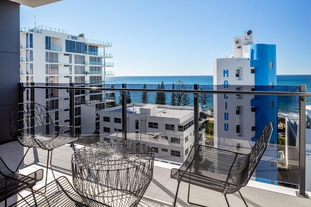 2 bedroom water view balcony first light mooloolaba. Black Bedroom Furniture Sets. Home Design Ideas